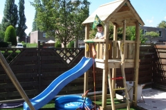 speelhuis met glijbaan